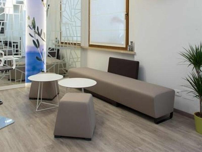 Sedute sala d'attesa per Hotel San Carlo
