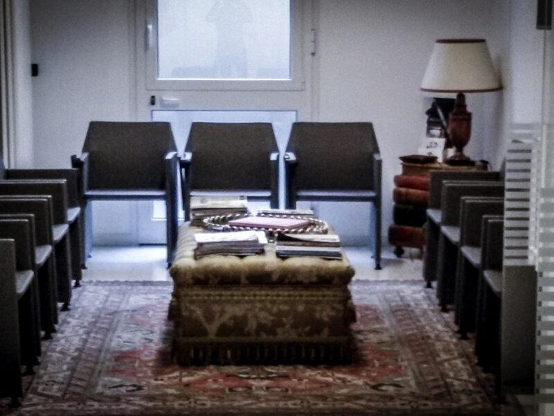 Sedie sala d'attesa per Santa Caterina srl