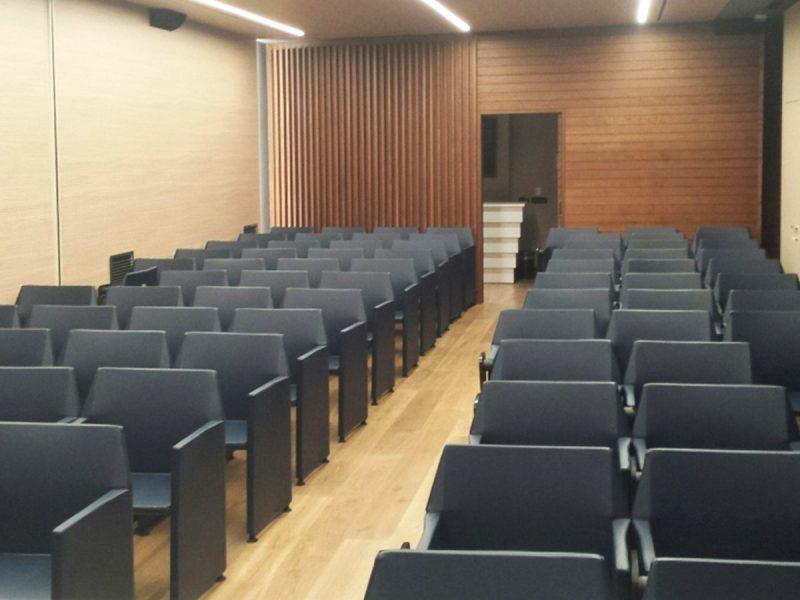 Sedie sala conferenze per S.I.R.M.srl