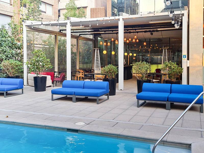 divani e pouf per Hotel Pullman Santiago Vitacura