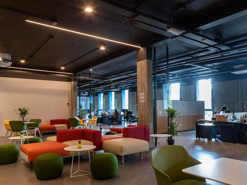 sedie ufficio e divani ufficio per BeDimensional